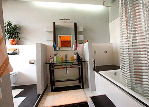Интерьер ванной комнаты (фото-17)